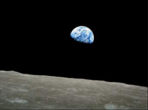 Image of the earth from the moon (Apollo 8)